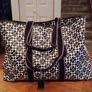 Very large coach tote bag